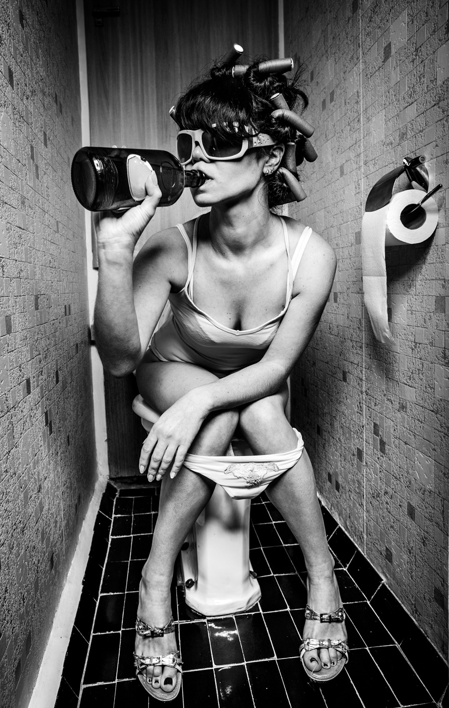drinking-girl als Edelstahlbild