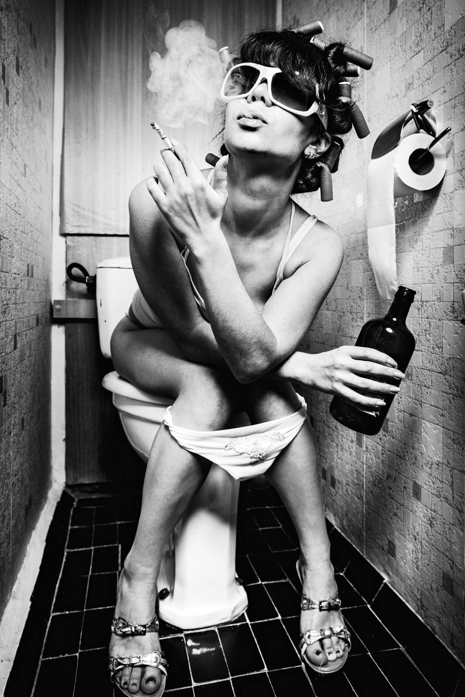 Smoking-Girl als Edelstahlbild