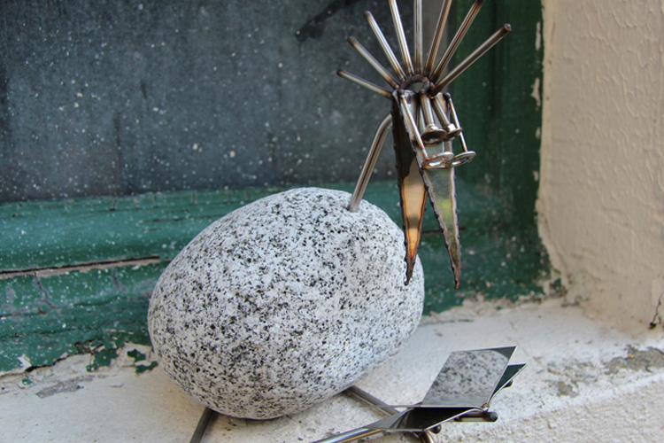 steinv gel edelstahl trifft auf stein. Black Bedroom Furniture Sets. Home Design Ideas