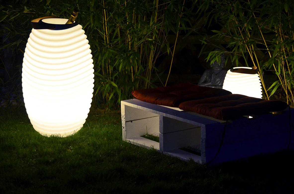 led lampe mit lautsprecher kabellos edel stahl. Black Bedroom Furniture Sets. Home Design Ideas